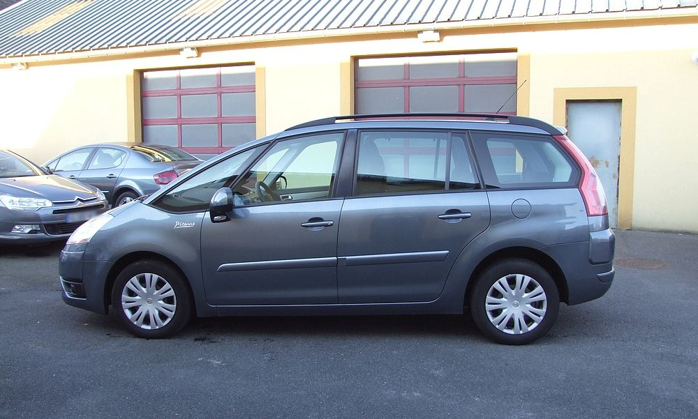 Grand c4 picasso 1 6 hdi 110 r vis de 2008 garage lavialle for Garage citroen les essarts 76530